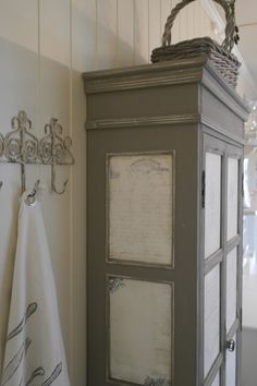 Hjerter og Hvite Liljer Before and after  Deoupage and chalkpaint