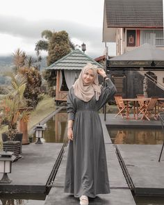 Hijab Dress Party, Hijab Style Dress, Casual Hijab Outfit, Hijab Chic, Ootd Hijab, Muslim Women Fashion, Modern Hijab Fashion, Batik Fashion, Hijab Fashion Inspiration