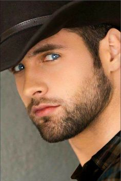 Beautiful Men Faces, Gorgeous Eyes, Moustaches, Short Beard, Great Beards, Raining Men, Perfect Man, Bearded Men, Hats For Men