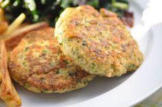 The Whole Life Nutrition Kitchen: Quinoa-Salmon Burgers (Gluten-Free + Egg-free)
