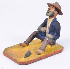 """MANUEL EUDÓCIO - """"Ébrio """" - escultura em barro cozido policromado. Assinado. Altura 12 x comprimento 13 x largura 10 cm"""