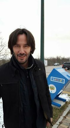 Omg darlin you are fine 💋 Keanu Reeves House, Keanu Charles Reeves, Keano Reeves, Keanu Reeves Quotes, Father John, Casting Pics, Hot Guys, Fangirl, Celebrities