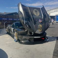 All cars should have one piece hoods  #sema2016 #giautomotivegroup #carpornracing #corvette #carbonfiber #toyotires #dpewheels #jonsibal #hoonigan