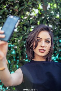 When someone as beautiful as Olivia Culpo wants a haircut, of course she goes and sees Jen Atkin. Olivia had been eyeing short haircuts, but had never been brave enough to take the plunge, but afte…