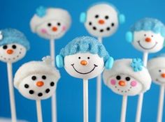 snowmen in tuques