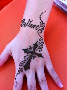Pretty Henna Cross Design Which I Could Do Myself  Mendhi L Folk Art IdeasP