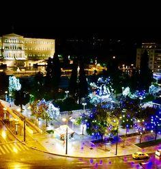 Η Αθήνα λίγο πριν ξημερώσει σε κλίμα εορταστικό. 13 μέρες πριν τα Χριστούγεννα. Get tuned & listen real music  Volume_up ► PLAY ▂ ▃ ▅ █ Join us! ►www.anywayradio.com