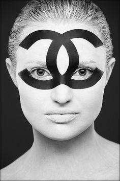 Moscow-based photographer Alexander Khokhlov uses the human face as his canvas for creating graphic, black and white face painting with makeup. From the WiFi icon to the Chanel logo or a QRcode across his model's faces, Black And White Portraits, Black And White Photography, Face Photography, Fashion Photography, Rankin Photography, Face Illustration, Illustrations, Alexander Khokhlov, White Face Paint