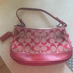 Holiday saleSmall Coach purse Small Coach purse in red. Used, but in good condition. Coach Bags Mini Bags