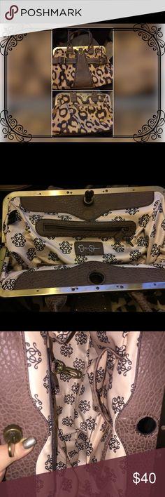 Jessica Simpson Cheetah Print Handbag Like new! Excellent condition. Jessica Simpson Bags