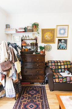 how to make clutter look uncluttered
