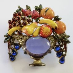 VINTAGE-ART-DECO-ENAMEL-SAPPHIRE-RUBY-RHINESTONE-JELLY-BELLY-FRUIT-BASKET-BROOCH