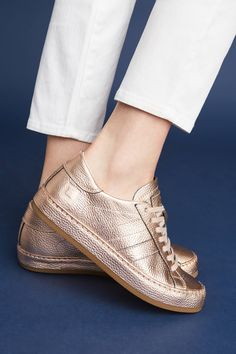 0b9fa5e0489768 Slide View  1  D.A.T.E. Rose Gold Sneakers Rose Gold Trainers