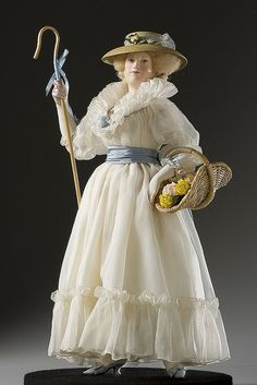 Marie Antoinette in theTrianon Doll: Photo by By golondrina411 on Flickr    Photo courtesy of the Gallery of Historical figures (http://www.galleryofhistoricalfigures)
