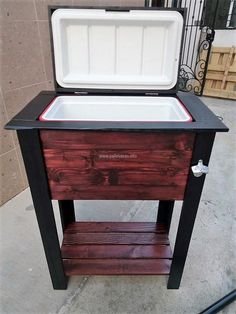 The brown and black colored cooler is looking great; it can be placed in the lawn in the summer season to enjoy the cold drinks on the hot day. It doesn't look weird because of the glossy finish used to make it shiny; the black colored paint for the border and the legs is making it look prominent.