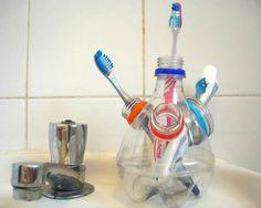 Reciclem: envasos i ampolles de plàstic (1) – tot nens