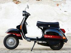 Vespa PX200 E Abarth style |