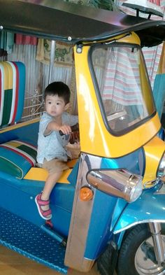 tuktuk driver.