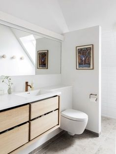 Bathroom remodel ideas has become an increasingly popular feature in homes in recent years. Especially in this year with the issue abour bathroom wall wate Diy Bathroom, Family Bathroom, Bathroom Inspo, Bathroom Layout, Modern Bathroom Design, Bathroom Inspiration, Bathroom Interior, Small Bathroom, Toilette Design