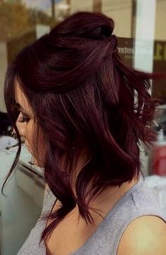 10 Seriously Easy Hairstyles For Short Hair Hair Color dark red hair color Pelo Color Vino, Pelo Color Borgoña, Color Red, Hair Color Balayage, Ombre Hair Color, Mahagony Hair Color, Violet Red Hair Color, Dark Burgundy Hair Color, Black Cherry Hair Color