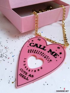 sugarbone:Call Me ♥ Ouija Planchette ♥ Necklace Art Pastel, Pastel Grunge, Billy Mandy, Pastel Goth Outfits, Ouija, Creepy Cute, Everything Pink, Pink Aesthetic, Cute Jewelry