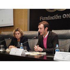 Intervención del autor del libro, Juan Merodio. A su derecha, Teresa Palahí, vicepresidenta segunda del Consejo General de la ONCE.
