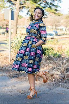 Robe impression africaine multicolore, Ankara, vêtements africains, robe africaine, tissu africain, vêtements africain, imprimé africain femmes, par EssieAfricanPrint sur Etsy https://www.etsy.com/fr/listing/449513636/robe-impression-africaine-multicolore