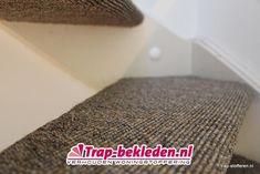 Sisal Trapbekleding, vakkundig gelegd sisal voor een natuurlijke uitstraling. Stairs, Beige, Stairway, Staircases, Stairways, Ladders, Ash Beige, Beige Colour