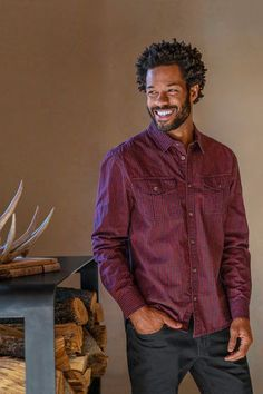 Spruce up for a night out. Reach for the Chapland Shirt, an updated take on a vintage classic when you want to level up your look this fall. Made from Organic Cotton. Adventure Outfit, Lifestyle Clothing, Sustainable Clothing, Clothing Company, Organic Cotton, Going Out, Night Out, Men Casual, Yoga