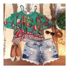 Começando a semana com um belo look com short jeans. O modelo fica perfeito no corpo e promete te deixar super estilosa em qualquer ocasião! ❤️ Onde encontrar: Poá Modas (Rua São Paulo, 815 - Loja 353 - Centro) #feirashop #lindadefeirashop #modamineira #moda #modabh #modaparameninas #Look #lookdodia #trend #tendencia #style #estilo #fashion #verao #segunda #blusa #ciganinha #shortjeans #jeans #bh