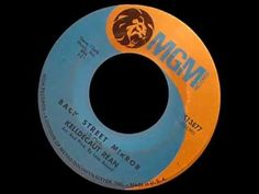 "Kelldecaut Réan ""BACK STREET MIRROR"" - Gene Clark - 1967 - 45rpm - Byrds - YouTube"