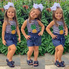 Um abacaxizinho muito fofinho 🍍passando para desejar boa noitinha pexual 💙🙏🏼 . Lookinho e laço: @lassalaatelie Sandália: @dondocadondocas… Cute Baby Girl, Cute Babies, Baby Kids, Kids Outfits Girls, Girl Outfits, Girls Dresses, Little Girl Fashion, Kids Fashion, Kids Dress Wear