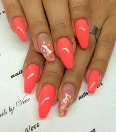 nails - NailiDeasTrends - Pink nails with polka dot accent nail Nails - Fabulous Nails, Perfect Nails, Gorgeous Nails, Cute Nails, Pretty Nails, Nail Design Spring, Rainbow Nails, Orange Nails, Accent Nails