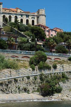 Imperia, Porto Maurizio, centro storico del Parasio, Logge di Santa Chiara