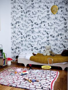viapoppytalk Children's rooms must be plenty of fantasy and happiness to make them feel they are wrapped around them. In order to get this, we can decorate walls with kids' removable wall stickers plenty of different motifs or just with paintings and pictures. Today we bring you some amazing mural idea to come your walls …