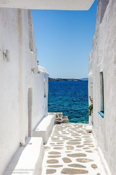 The path to the sea♡ Streets in Mykonos, Santorini Greece. Wanderlust bucket list of places to travel and a visit on a vacation trip. Places Around The World, The Places Youll Go, Places To Visit, Around The Worlds, Dream Vacations, Vacation Spots, Mykonos Island Greece, Greece Islands, Crete Greece