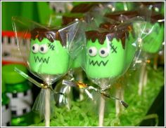 Going to make these for my sons' class Halloween parties :)