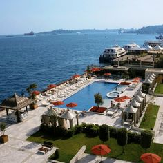 Overlooking the blue-green waters of Bosphorus, @Four Seasons Hotel Istanbul at the Bosphorus outdoor pool offers a quiet respite