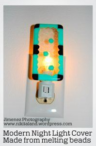 How to Make a Night Light Cover from Melting Beads Pearler Beads, Fuse Beads, Bead Crafts, Crafts To Make, Diy Crafts, Melted Pony Beads, Plastic Bottle Flowers, Melting Beads, Cross Stitch Borders