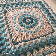 Ravelry: Puffalicious Square pattern by Saraphir Qaa-Rishi Crochet Granny, Free Crochet, Crochet Tablecloth Pattern, Knitting Patterns, Crochet Patterns, 4 Ply Yarn, V Stitch, Dk Weight Yarn, Yarn Over