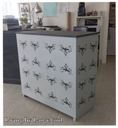 Annie Sloan Chalk Paint Paris Grey Annie Sloan Chalk Paint Paris Grey, Storage, Projects, Painting, Furniture, Home Decor, Log Projects, Homemade Home Decor, Larger