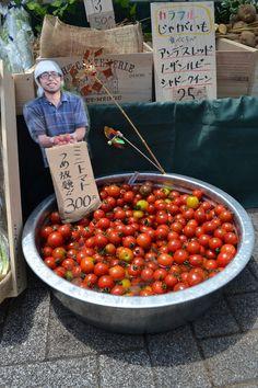 東京アースデイマーケットで大活躍したPOPとミニトマトのつかみ取り