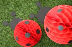 Find out how to make these easy, adorable DIY honeycomb ladybug decorations for a little girls' birthday party!