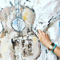 101.2k Followers, 616 Following, 1,061 Posts - See Instagram photos and videos from DeAnn Hebert (@deannart) Guitar Painting, Guitar Art, Bedroom Art, Chalk Paint, Followers, Art Ideas, Canvas Art, Textiles, Paintings