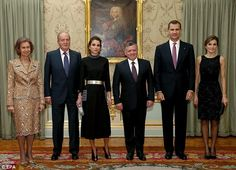 Pictured l-r: Former Queen Sofia, former King Juan Carlos, Queen Rania, King Abdullah II, King Felipe and Queen Letizia before an official dinner at El Pardo Palace in Madrid