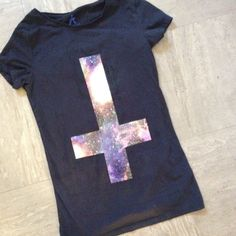 How to Make a DIY Galaxy Print Tshirt