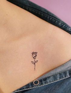21 Best Small And Minimalist Tattoos That Are Absolutely Adorable Tattoos never go out of style whether they are Large or full-body. But currently the world is going gaga over minimalist, cute and small tattoos. Beautiful Small Tattoos, Cool Small Tattoos, Small Tattoo Designs, Tattoo Designs For Women, Cool Tattoos, Dad Tattoos, Awesome Tattoos, Tattoo Ink, Picture Tattoos