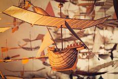 【まるで夢の風景】83歳の老人が作り続ける「空飛ぶ船、空飛ぶ自転車」その驚きのクオリティと、不思議な部屋