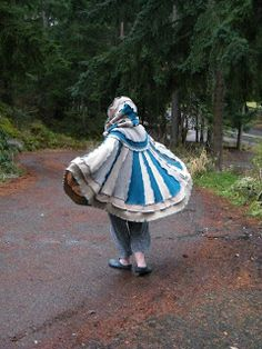 SistaHoodz - da Blog: AnnieHood, the Crow(ne)Hood for Ann