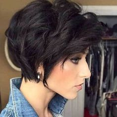 Flattering Layered Short Haircuts For Thick Hair Short - And The Hairstyle That Were Going To Examine Today Short Hairstyles For Thick Hair Moreover Layered Cuts Add Layers For Thick Hair This Haircut All For Woman With Huge Hair If You Donx Short Hair With Layers, Short Hair Cuts For Women, Short Hairstyles For Women, Bob Hairstyles, Pixie Haircuts, Party Hairstyles, Black Hairstyles, Short Cuts, Natural Hairstyles